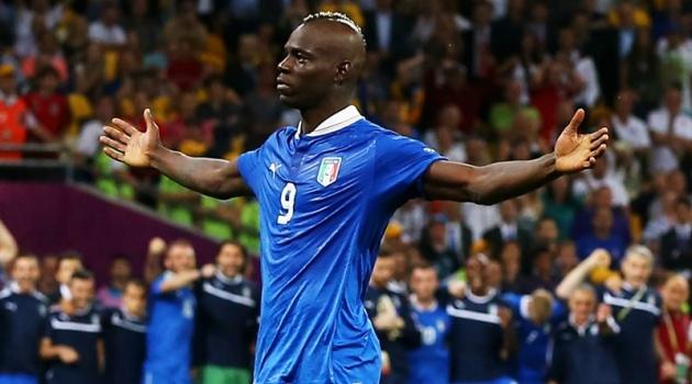 Balotelli bất ngờ được xem là hình mẫu tại Azzurri