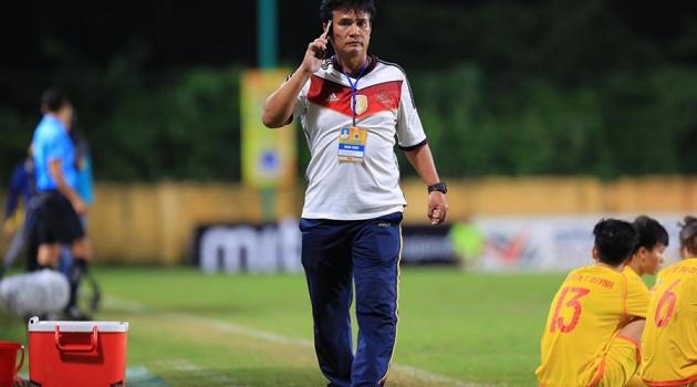 Chỉ đạo cầu thủ ngưng đá, HLV Hà Nam bị VFF phạt cấm hoạt động 5 năm