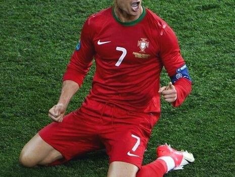 Khoảnh khắc của lòng dũng cảm: Và Ronaldo không còn điệu nữa...