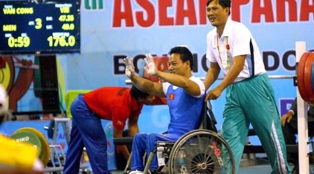 """Asian Para Games 2014: Chờ """"Vàng"""" của lực sỹ Lê Văn Công"""