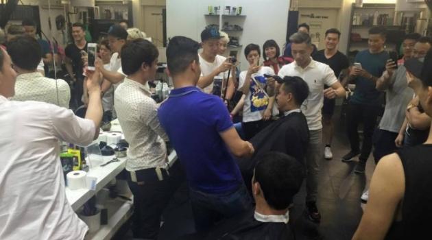Ca sỹ Tuấn Hưng giữ lời, cạo tóc vì U23 Việt Nam
