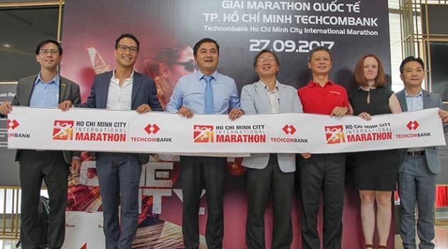 6000 VĐV tham dự Giải Marathon Quốc tế TP.HCM Techcombank 2017