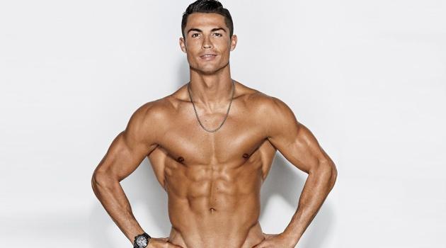 Nhờ vào những phương pháp này mà Cristiano Ronaldo đang ngày càng trẻ hóa
