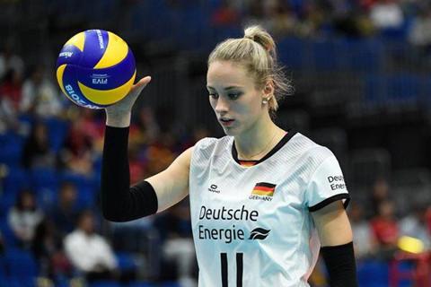 Hoa khôi bóng chuyền Đức khiến tuyển Trung Quốc chao đảo