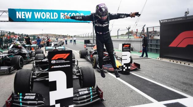 Hamilton lần thứ 7 vô địch F1