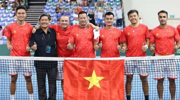 Tuyển quần vợt Việt Nam lên chơi play-off nhóm II Davis Cup