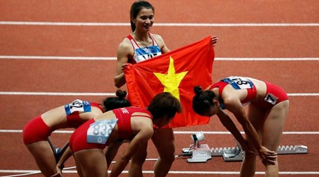 Vượt Trung Quốc, đội chạy tiếp sức nữ Việt Nam giành HCĐ ASIAD