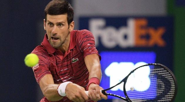 Thắng dễ Shapovalov, Djokovic theo chân Federer vào vòng 3 Thượng Hải Masters