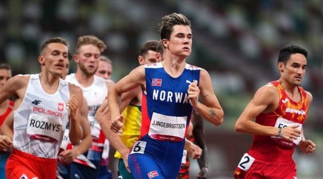 VĐV 20 tuổi phá kỷ lục Olympic ở đường chạy 1.500 m
